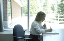 Back Benefits from Easily-Adjustable Desks